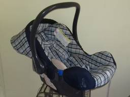 Fotel dziecięcy samochodowy.