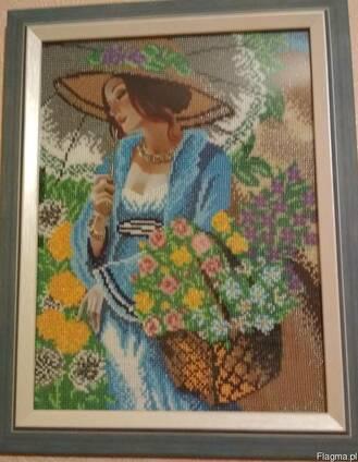 """Картина """"Девушка в шляпе"""", вышитая бисером (ручная работа)"""