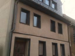 Многоквартирный трехэтажный дом 228 кв. м