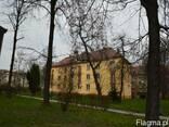 Продам просторную двухкомнатную квартиру в Кракове. - фото 1