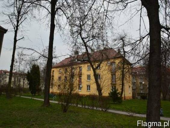 Продам просторную двухкомнатную квартиру в Кракове.